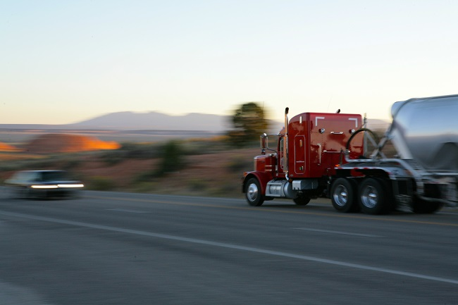 Tips for Avoiding a Trucking Accident